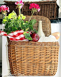 Vintage French Style Wicker Storage Basket with Lid