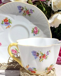 Vintage English Shelley Dainty Tulip Bouquet Tea Cup-Daisy,floral,tea, cup, saucer,hand painted,white, bone china, England, Morris,collection, sterling, gift, bride, bridal,