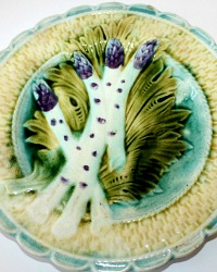 19th Century French Majolica Purple Asparagus Plate